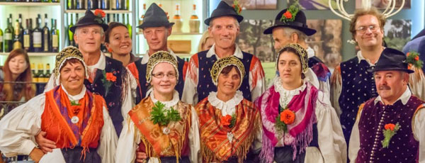 Traditional_Slovenian_Evening_Team